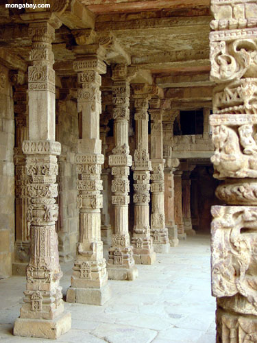 Colunas Carved, India