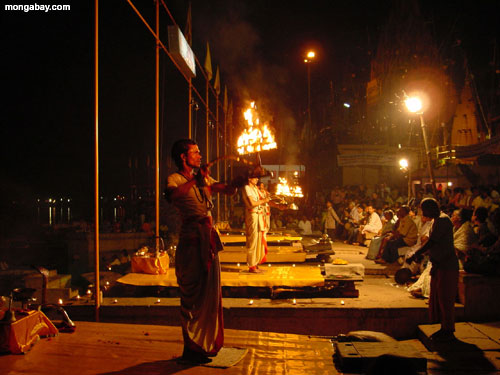 Exhibición Del Fuego, La India